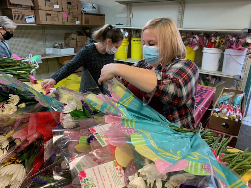 Binley Florist Participating in Petal it Forward